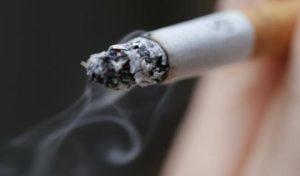 تدخين السجائر ربما يزيد آلام الطمث